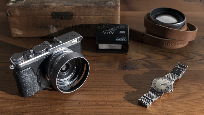 Fujifilm X70. Photo by Take Kayo.