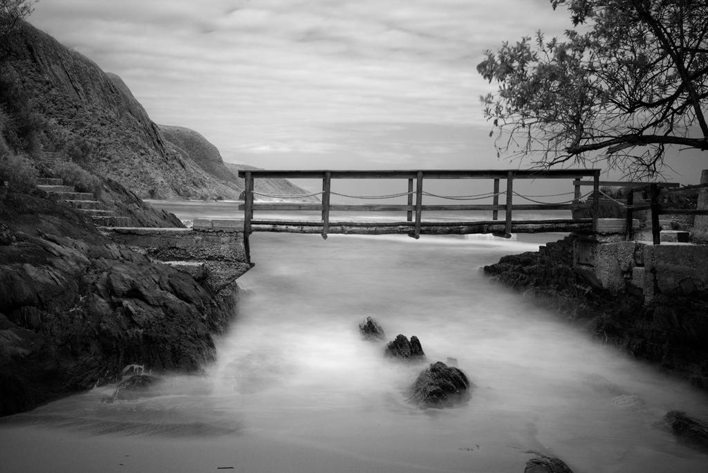 The foot bridge. Fujifilm X-T1; 35mm lens; F8; 8.5sec.